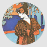 Mujer con los pavos reales - Louis Rhead Pegatina Redonda