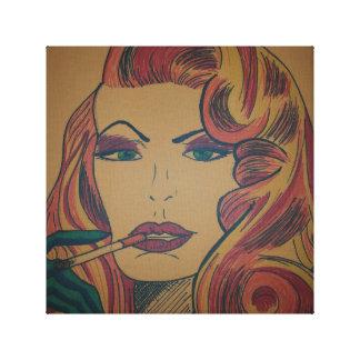 Mujer con mirada fija del cigarrillo impresión en tela
