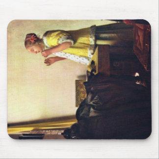 Mujer con un collar de la perla, por Juan Vermeer Alfombrilla De Ratones
