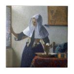 Mujer con un jarro de agua de Juan Vermeer Azulejo Ceramica