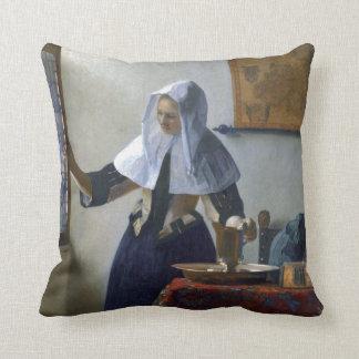 Mujer con un jarro de agua de Juan Vermeer Almohada