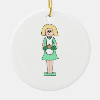 Mujer con un pote caliente de la sopa. En verde y Adorno Navideño Redondo De Cerámica