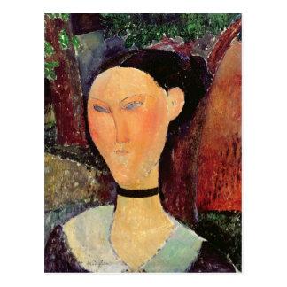 Mujer con una tirilla de la camisa del terciopelo, postal