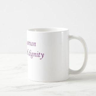 Mujer de la edición rosada de la cinta de la taza de café