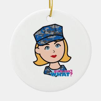 Mujer de la marina de guerra adorno navideño redondo de cerámica