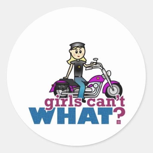 Mujer de la motocicleta etiquetas redondas