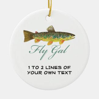 Mujer de la pesca con mosca adorno navideño redondo de cerámica