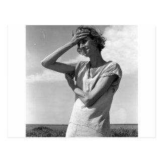 Mujer de los altos llanos postales