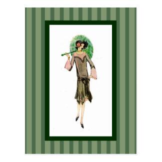 mujer de los años 20 con las rayas verdes tarjeta postal
