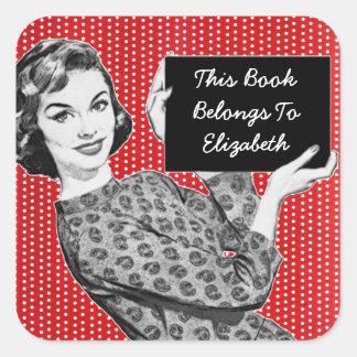 mujer de los años 50 con un Bookplate de la muestr Pegatinas Cuadradases
