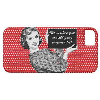 mujer de los años 50 con una muestra funda para iPhone SE/5/5s