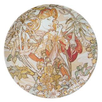 Mujer de Mucha con las placas de la margarita de u Plato Para Fiesta