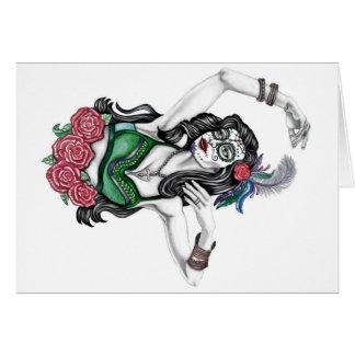 Mujer del cráneo del azúcar con los rosas tarjeta