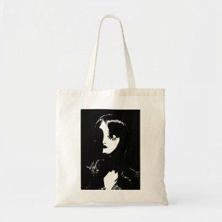 Mujer del estilo de Sin City - en fondo negro Bolsas De Mano