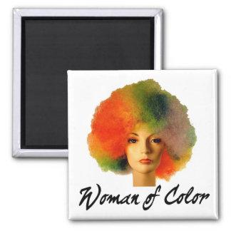 Mujer del imán de la peluca del arco iris del colo