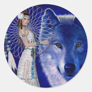 Mujer del nativo americano y diseño azul del lobo pegatina redonda