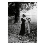 Mujer del Victorian del buzón del vintage Felicitaciones