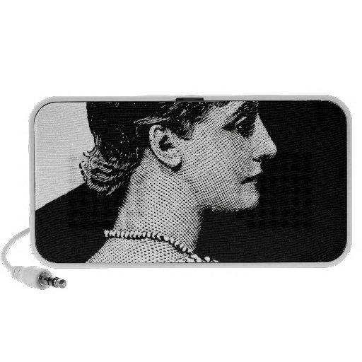 Mujer del vintage laptop altavoz