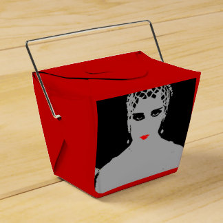 Mujer dramática con los labios rojos cajas para detalles de boda