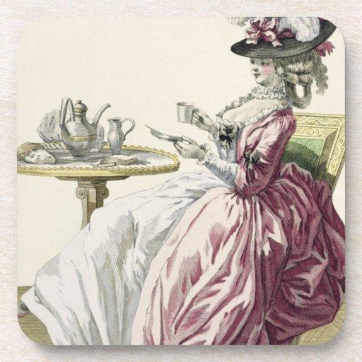"""Mujer elegante en un vestido """"un l'Anglaise"""" C de  Posavasos"""
