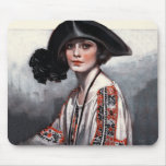 Mujer en blusa bordada tapete de ratones