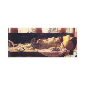 Mujer en el sofá lienzo envuelto para galerias