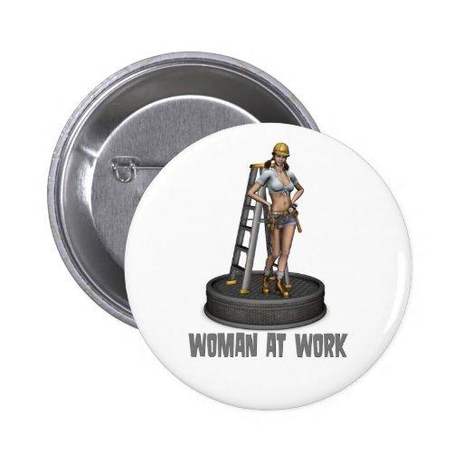 mujer en el trabajo pins