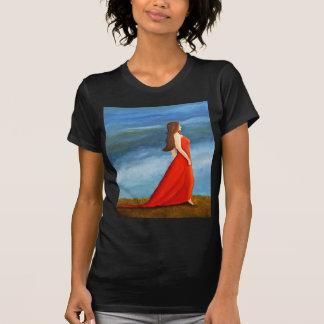 Mujer en el vestido rojo camisetas