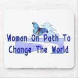 Mujer en la trayectoria tapetes de raton