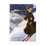 Mujer en poster verde del esquí postales
