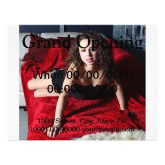 "Mujer en rojo folleto 8.5"" x 11"""