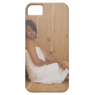 Mujer en sauna iPhone 5 funda