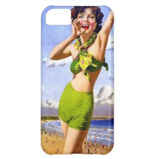 Mujer en traje de baño en la playa