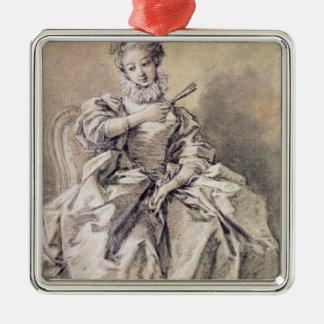 Mujer en traje español ornamente de reyes