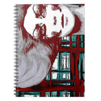 Mujer entre el cuaderno de las ventanas