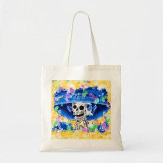 Mujer esquelética de risa en capo azul bolsa tela barata