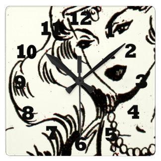 Mujer exótica de los tebeos reloj de pared