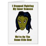 Mujer extranjera malvada verde el mismo lado ahora