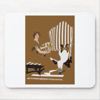 Mujer Fadeaway de Coles Phillips con el collie Tapetes De Ratón