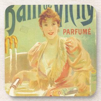 Mujer francesa del anuncio de la bañera del posavasos de bebidas