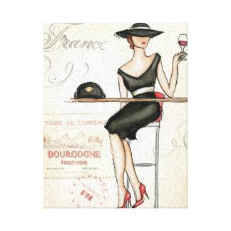 Mujer francesa que bebe el vino rojo lona envuelta para galerías