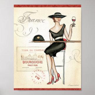 Mujer francesa que bebe el vino rojo impresiones
