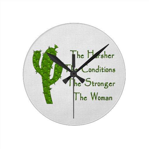 Mujer fuerte reloj redondo mediano