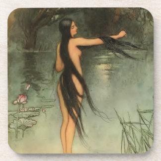 Mujer hermosa que se baña posavaso