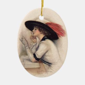 Mujer hermosa que vota - moda del sufragio del adorno navideño ovalado de cerámica