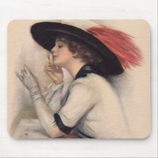 Mujer hermosa que vota - moda del sufragio del vin alfombrilla de raton