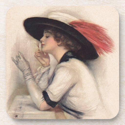 Mujer hermosa que vota - moda del sufragio del vin posavasos
