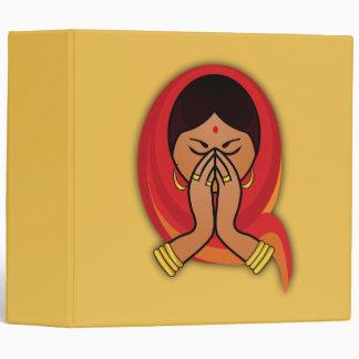 """Mujer hindú con la bufanda principal en el saludo carpeta 2"""""""