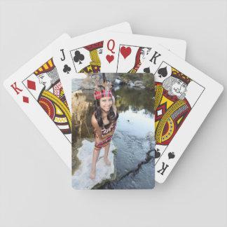 Mujer india cartas de póquer