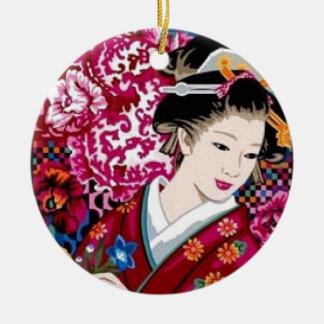 Mujer japonesa en kimono adorno navideño redondo de cerámica